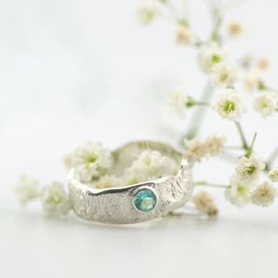 zilveren-organische-ring-met-steen-8